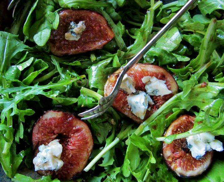 arugula, fig and blue cheese salad2
